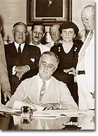 """president franklin d roosevelt and the social security act On this day in 1935, president franklin d roosevelt signed into law the social security act in doing so, fdr voiced concern for """"young people [who] have come to wonder what would be their lot when they came to old age,"""" as well as those who had jobs but no job security."""
