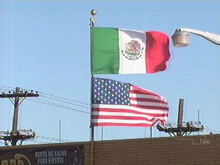 Flag code faqs displaying the flag mexican us flags sciox Choice Image